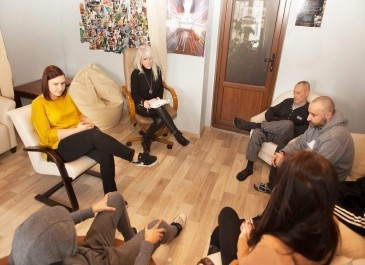 Поможет ли психолог вылечиться от наркомании и алкоголизма?