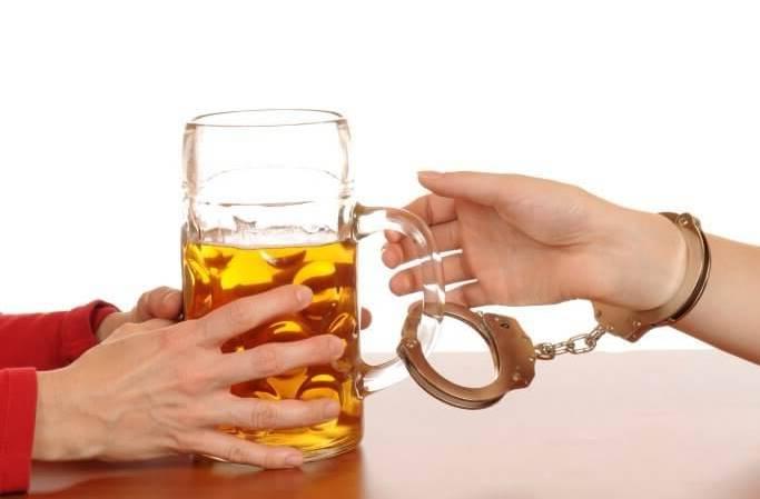 Пивной алкоголизм: как бросить пить пиво?